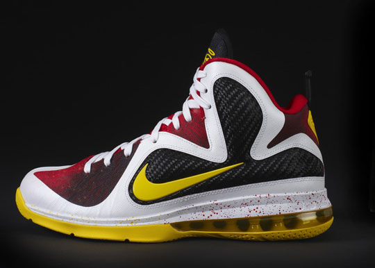 nike lebron james sneakers