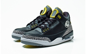 Air-Jordan-III-IV-Oregon-Ducks-Collection-07