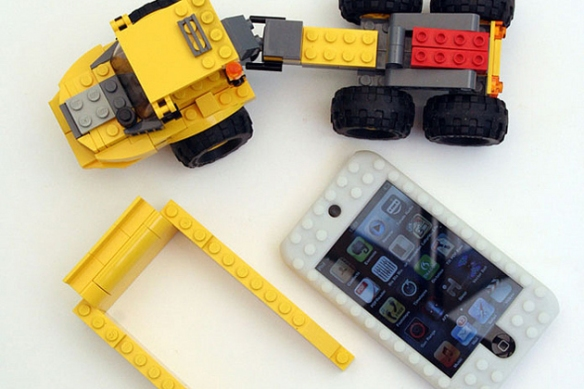 ipod-touch-lego-case-3