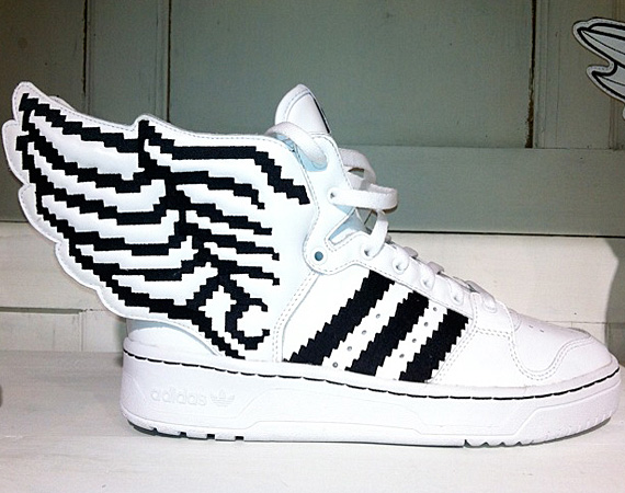 adidas-originals-by-jeremy-scott-js-wings-2-0-pixels-00