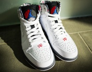 air-jordan-1-retro-93-bugs-580514-107-sneaker-politics-01