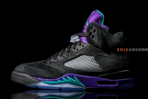 air-jordan-v-aj5-black-grape-136027-007-03-570x379