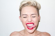 terry-richardson-miley-cyrus-photo-shoot-006-570x380