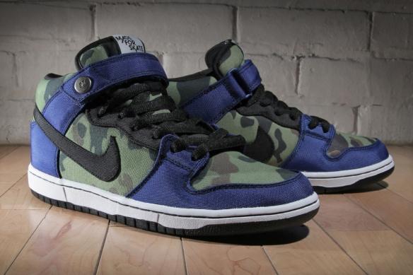 """Made-for-Skate-x-Nike-SB-Dunk-Mid-""""Royal-Camo""""-1"""