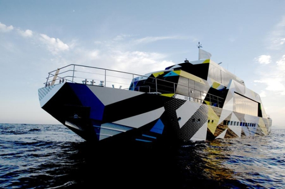 Dakis-Joannous-Mega-Yacht-Guilty-by-Jeff-Koons-and-Ivana-Porfiri-1-630x419